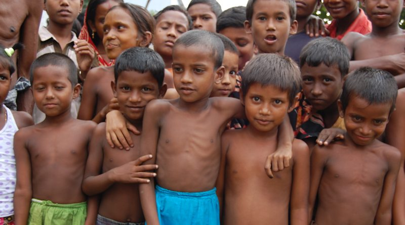 children-gothering2
